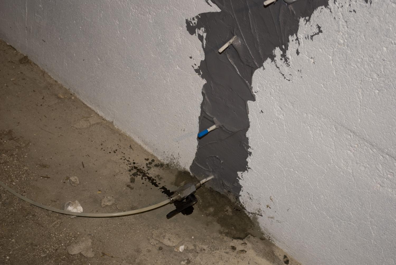 Rezi-Weld Wall Injection