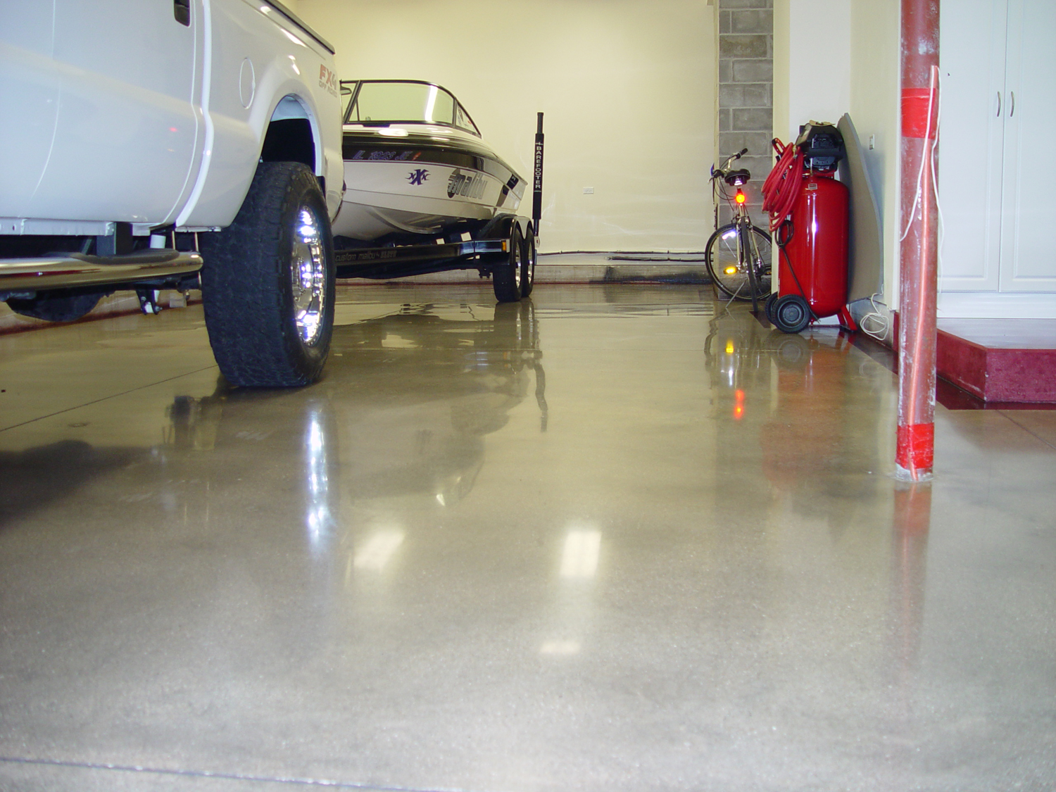 Polished Garage Floor 1708